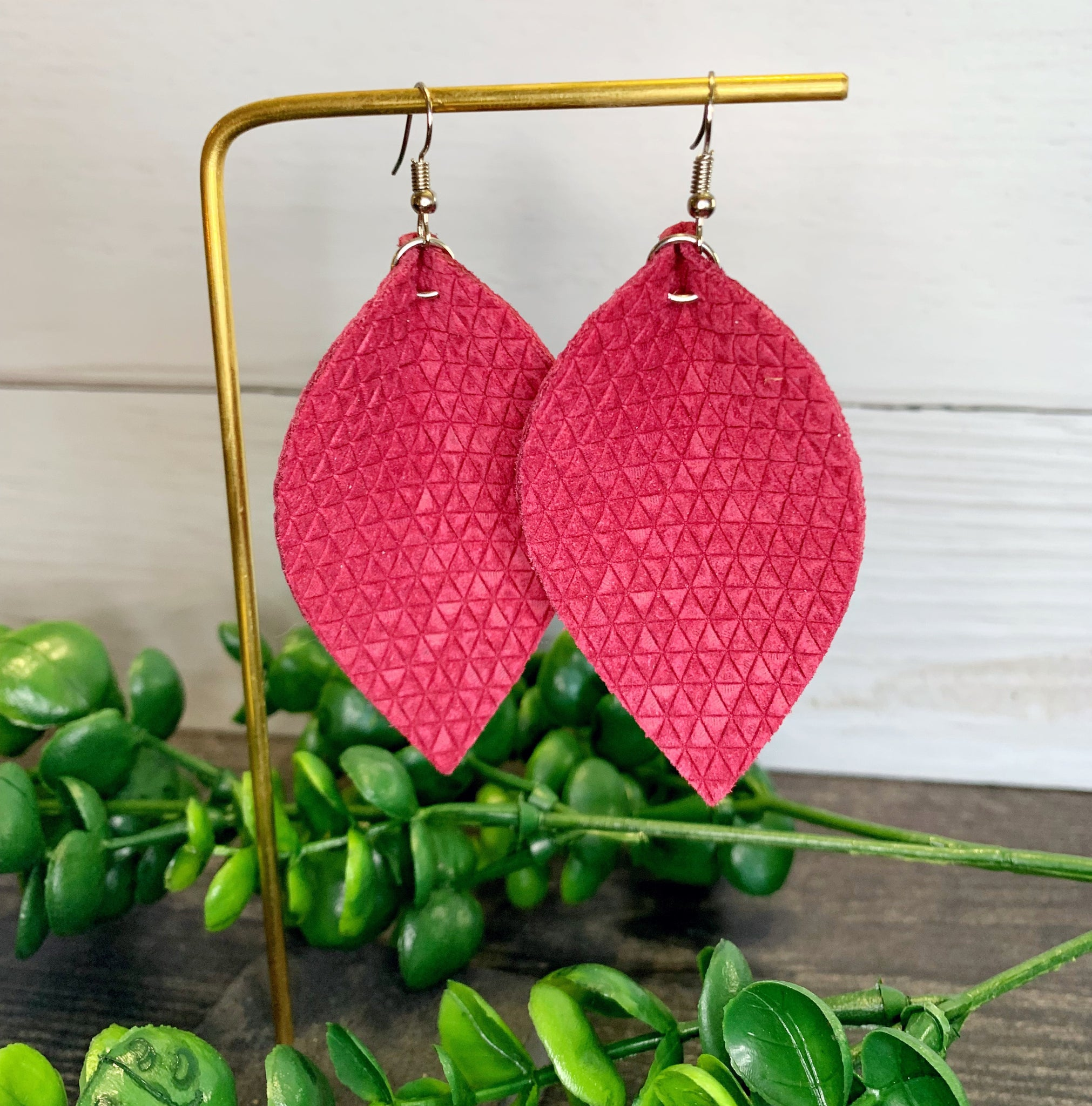 Triangle Embossed Genuine Leather Leaf Earrings - Raspberry