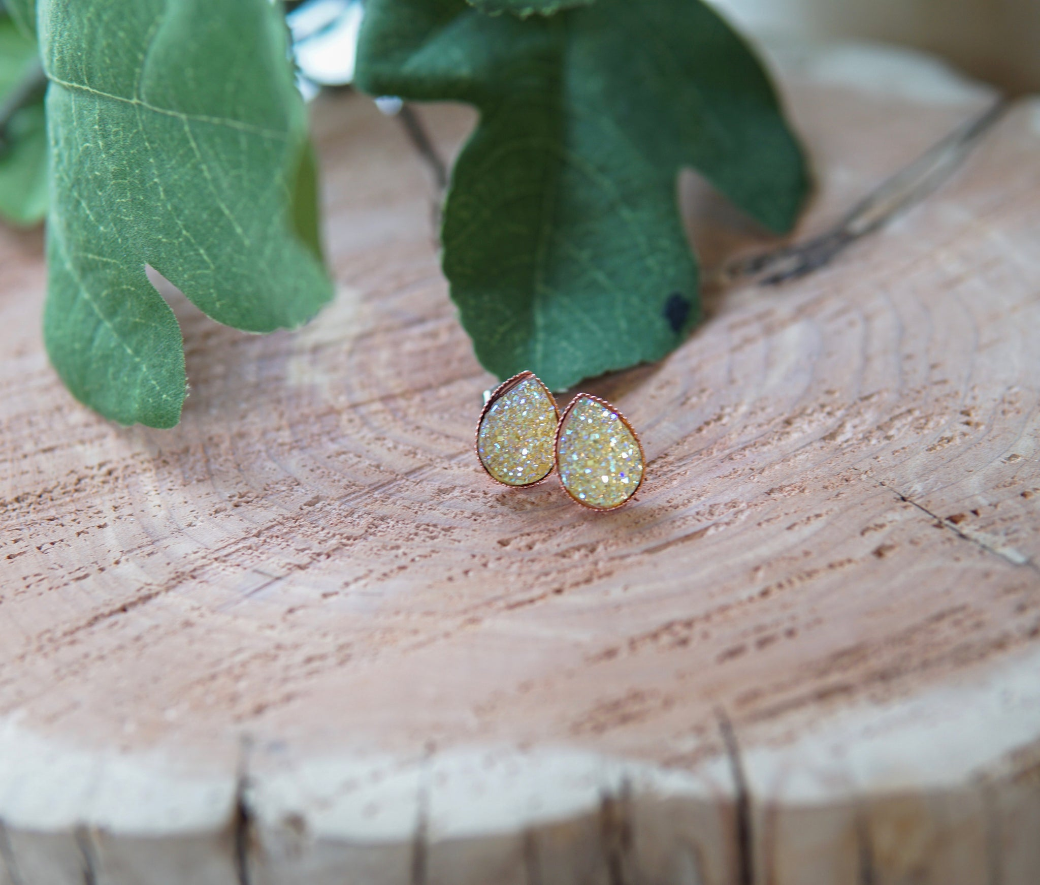 Teardrop Druzy Stud Earrings - Champagne