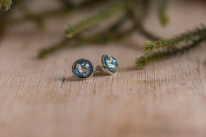 12mm Silver Fleck Studs - Ice Blue