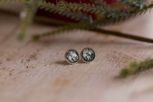 12mm Silver Fleck Studs - Evergreen