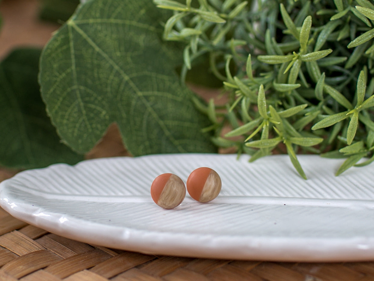 12mm Wood Inspired Studs - Peach