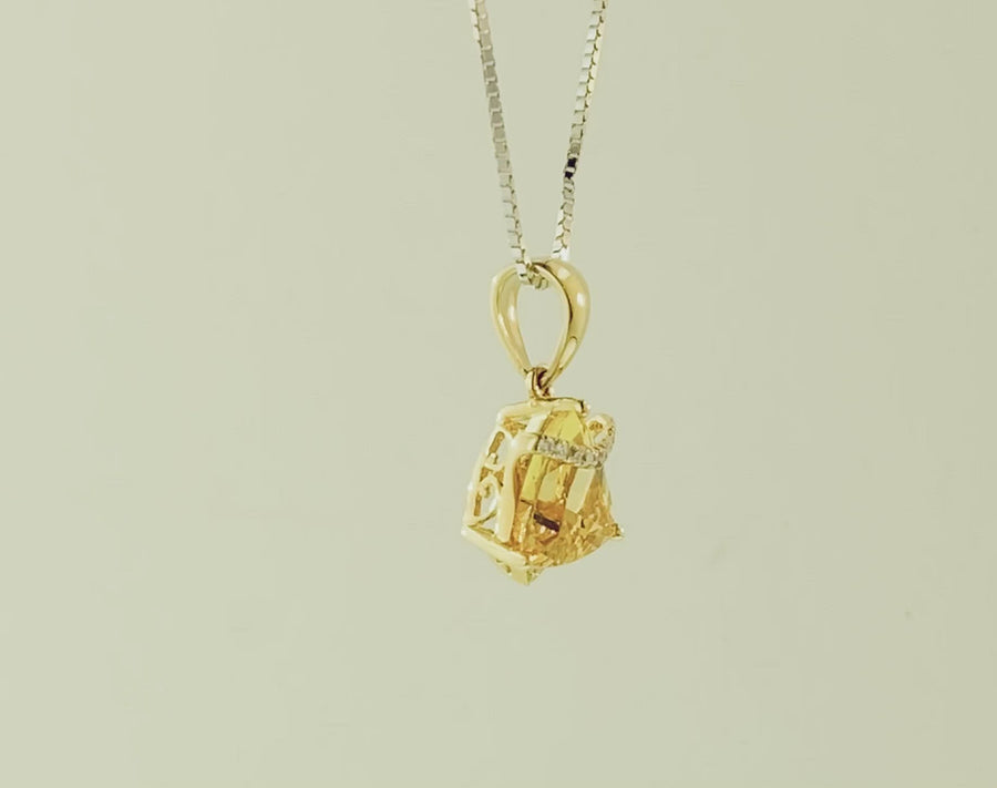 Trillion Pendant- Yellow Gold