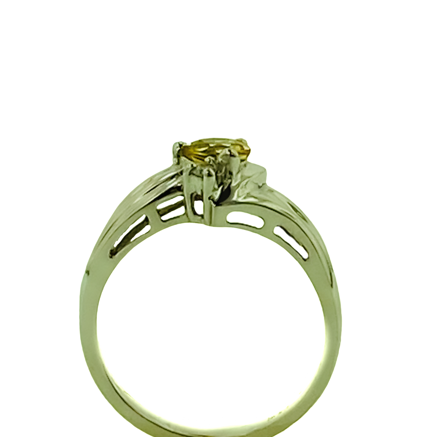 Round Ring with One Diamond