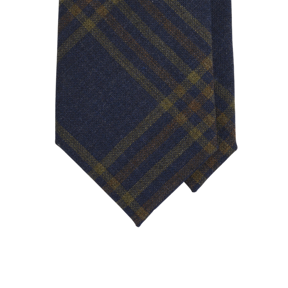 Amidé Hadelin | Fox Brothers check tie, denim