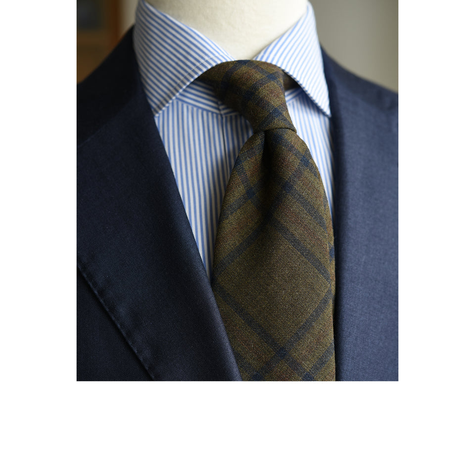 Amidé Hadelin | Fox Brothers check tie, olive_styled