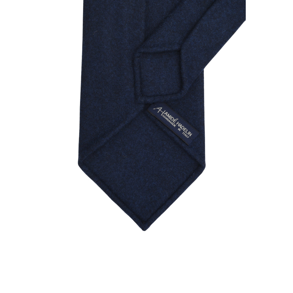 Amidé Hadelin | Loden tie, dark blue_back