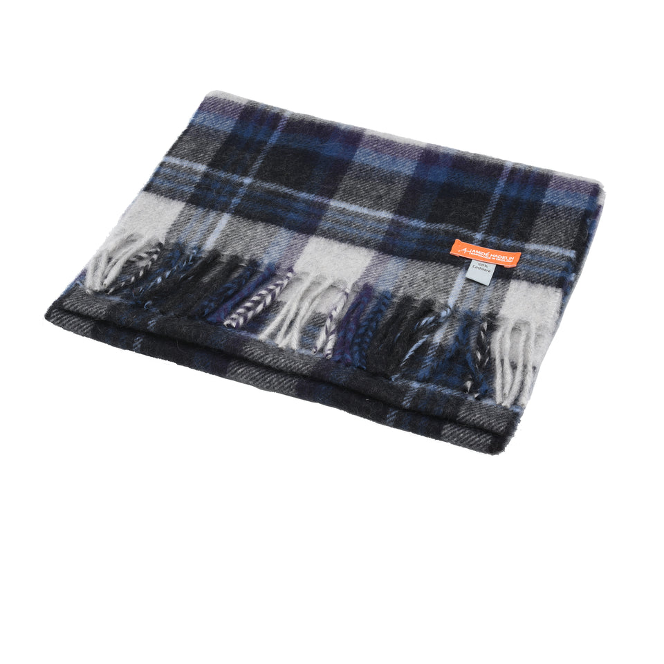 Amidé Hadelin Orange Label | Cashmere scarf, grey/navy plaid_full