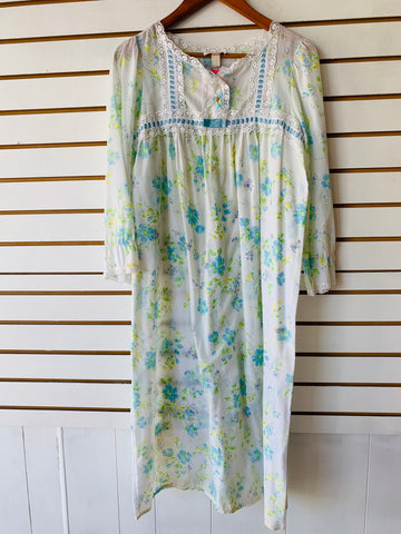 70's Barbizon nightgown