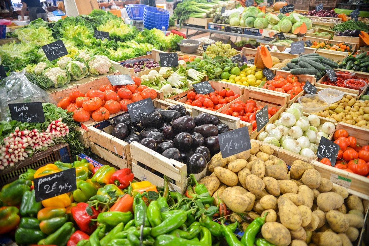produce in aisle