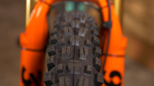 "Maxxis Assegai - The Lost Co. - Maxxis - TB00163300 - 4717784037813 - 27.5"" x 2.5"" - Folding / 60tpi / Dual Compound / EXO / Tubeless Ready / Wide Trail"