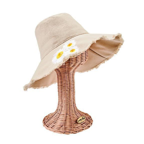 Women's bucket hat with daisy embroidery and fray edge (CTH8261)
