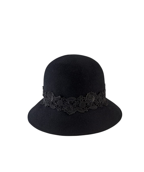 Hats - Women's Cloche With Lace