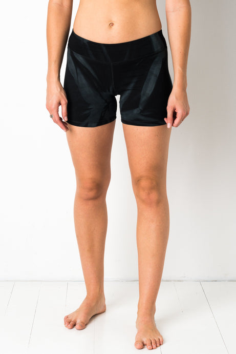 Thin Lycra Black Star Yoga shorts
