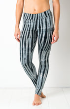 Load image into Gallery viewer, Black/Grey Net Tie Dye Leggings- yoga pants