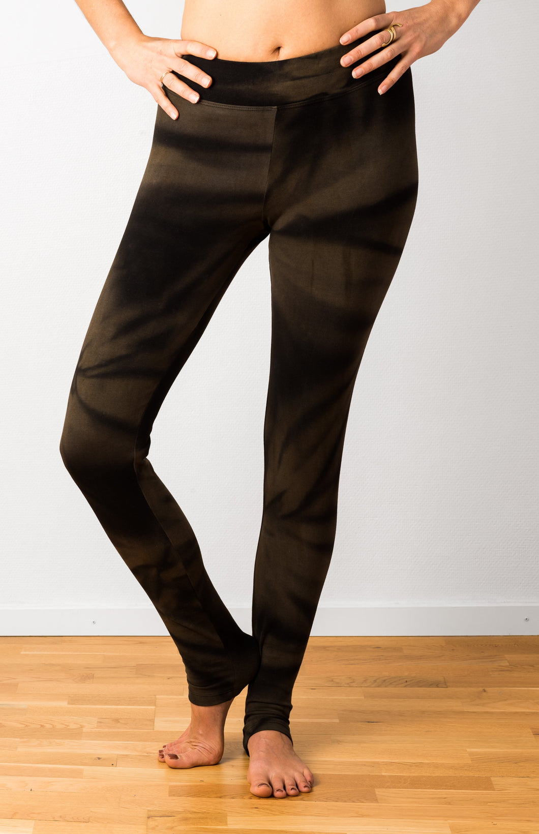 Brown Star Tie Dye Leggings- yoga pants