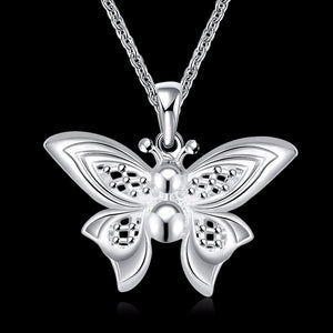 Charming Women's 3D Butterfly Pendant Necklace