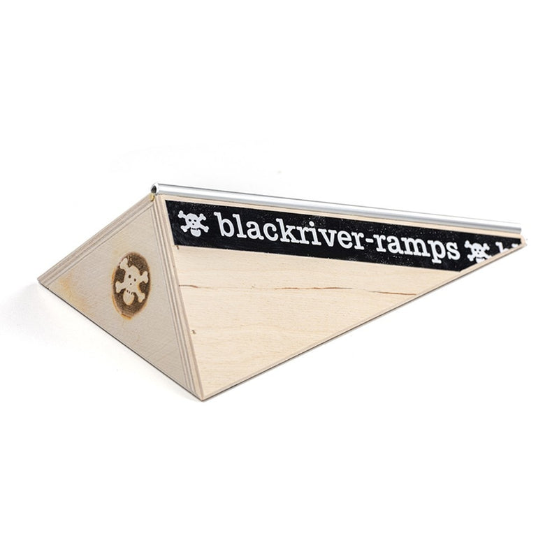 Blackriver Ramps Fingerboard Pole Bank