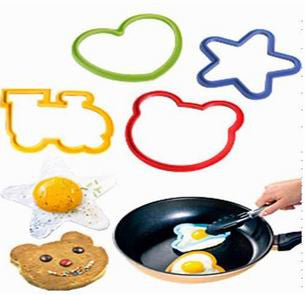 3 Piece Set of silicone egg pancake moulds for cooking and frying