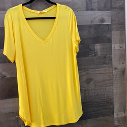 Basic curvy v-neck t-shirts