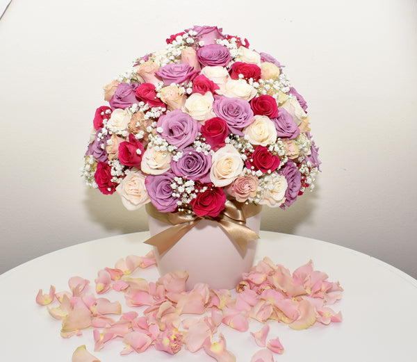 HOLLYWOOD BOX WITH PINK, DARK PINK AND LAVENDER ROSES (Dome)
