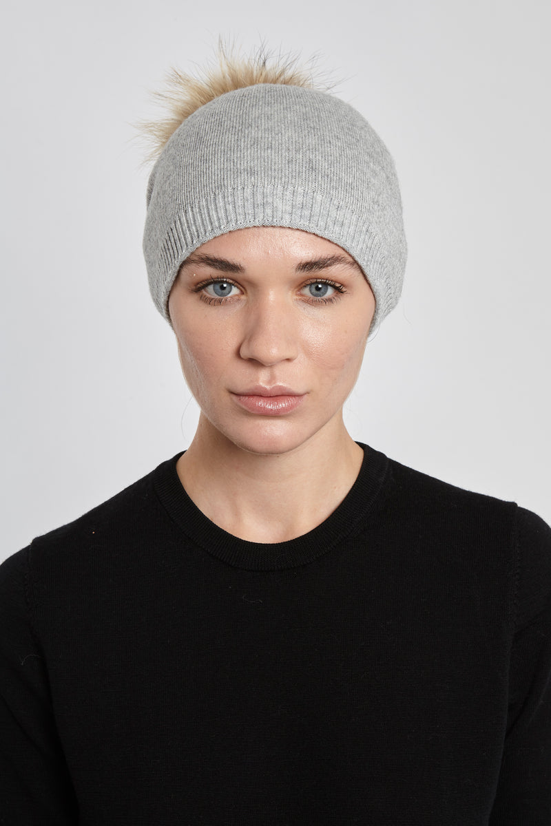BEANIE POM HAT - LIGHT GREY