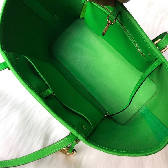 Jet Set Green Saffiano Leather Tote Bag, Bag, MsCloset,- REHEART Canadian Online Wardrobe-Sharing Platform