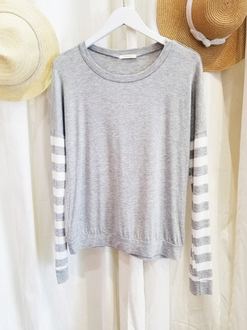 The Jenna Stripe Sleeve Top in Gray