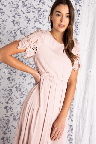 The Allegra Tiered Dress in Blush Curvy