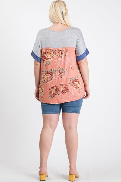 The Easton Floral Contrast Top in Gray