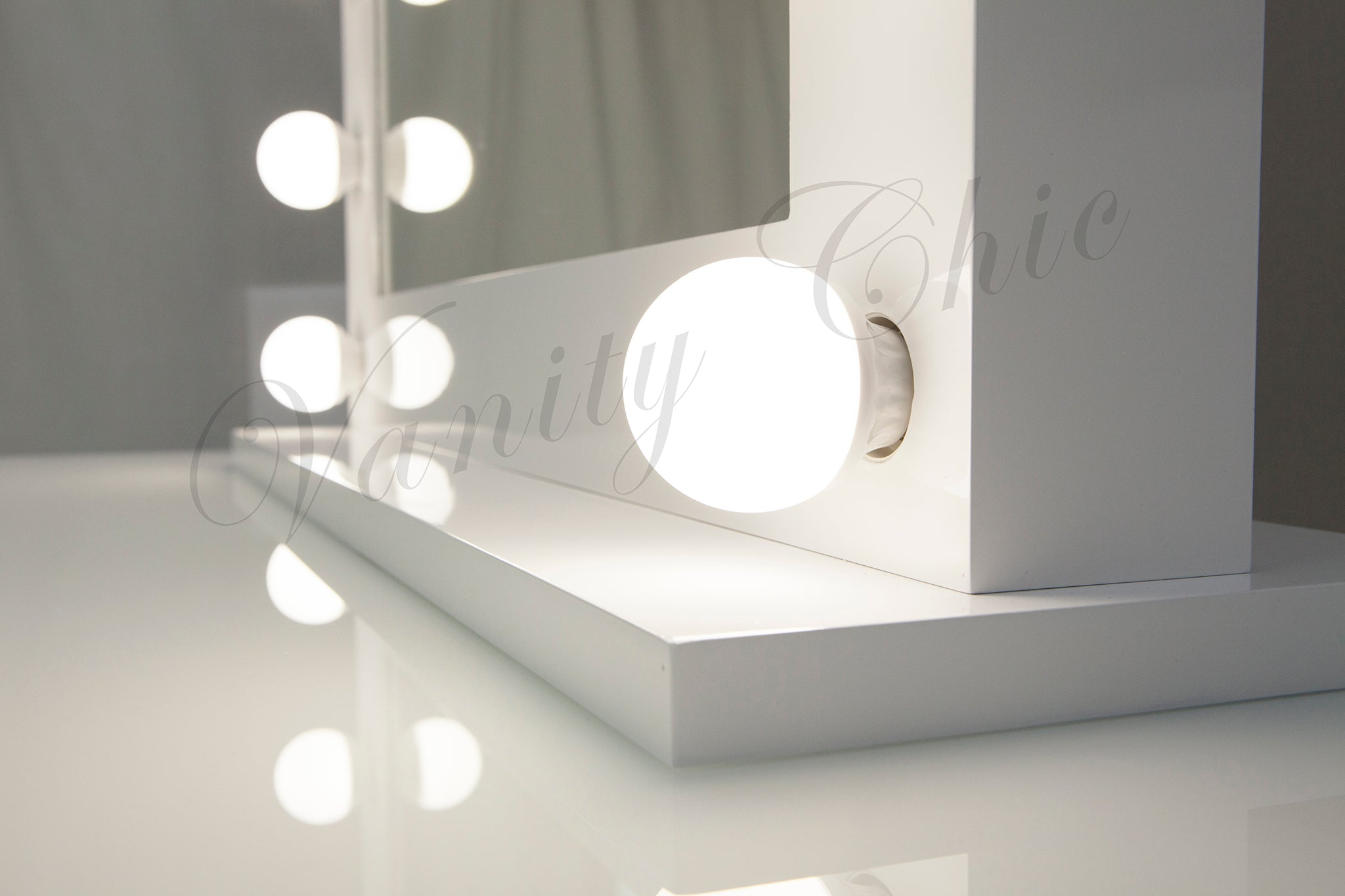 Large Hollywood Makeup Mirror With Led Lights White