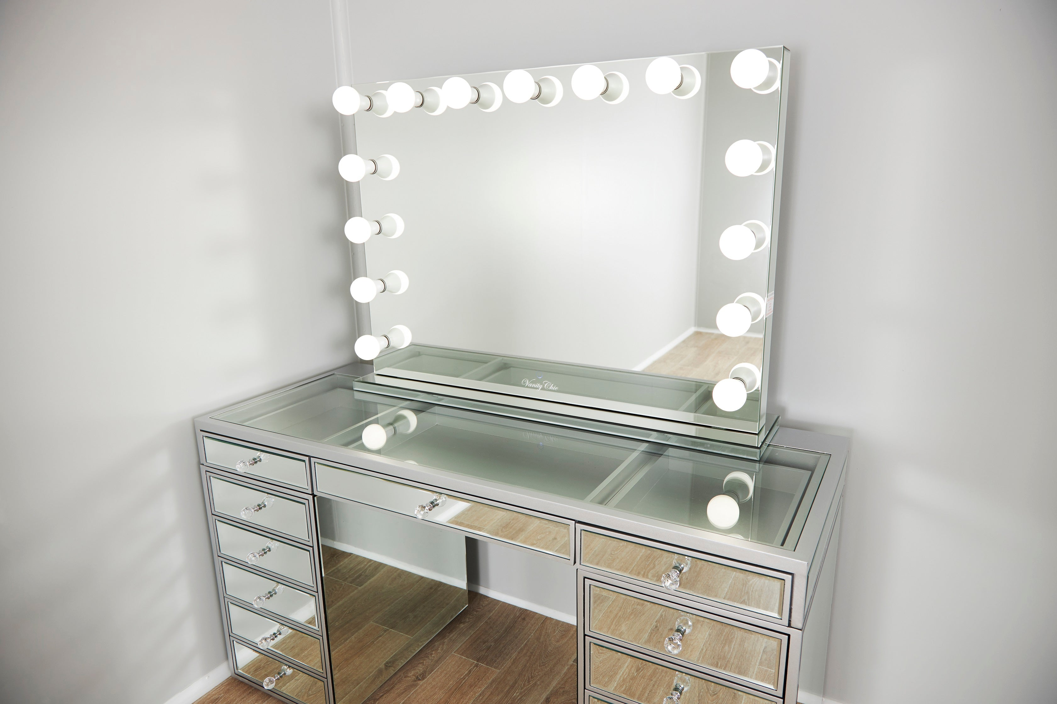 Pre Order Xl Valentina Frameless Mirrored Hollywood Makeup Mirror Wit Vanity Chic Mirrors