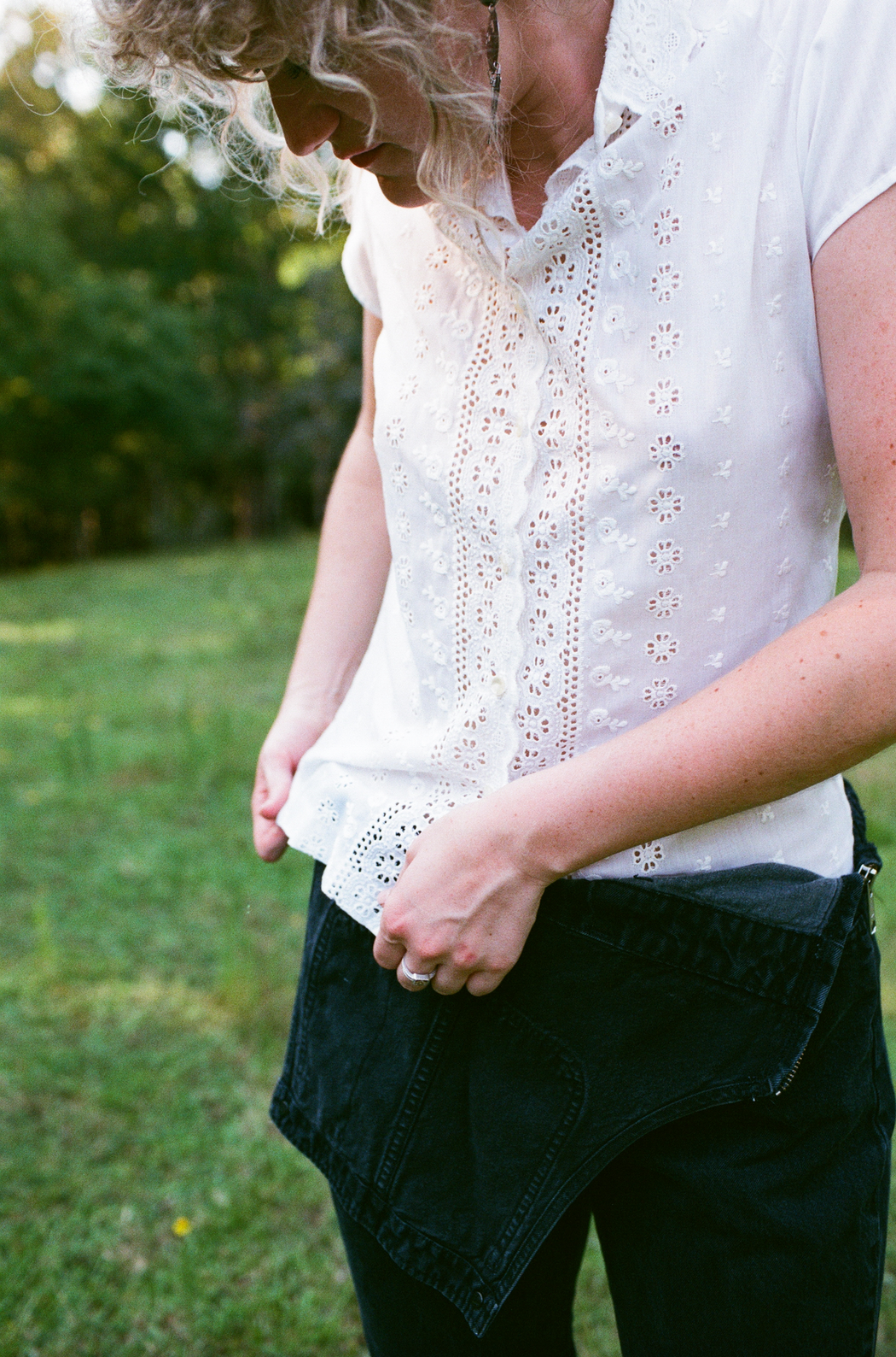 Vintage White Eyelet Short Sleeve Blouse (S/M)