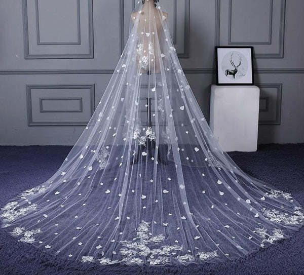 Long Luxurious Lace Appliques and Flowers Wedding Veil