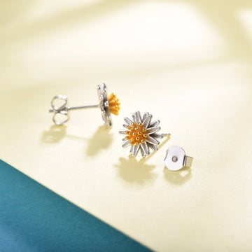 Daisy Stud Earrings - Misty and Molly