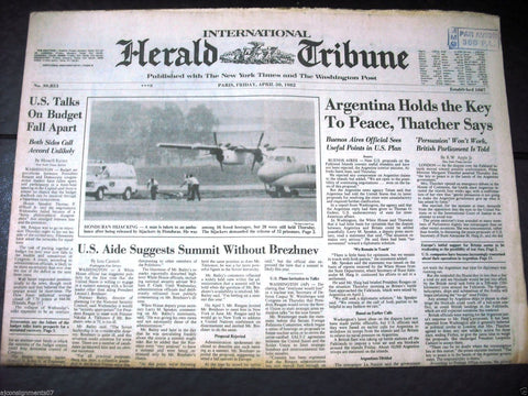 International Herald Tribune {Handuran Hijacking} Paris Global Newspaper 1982