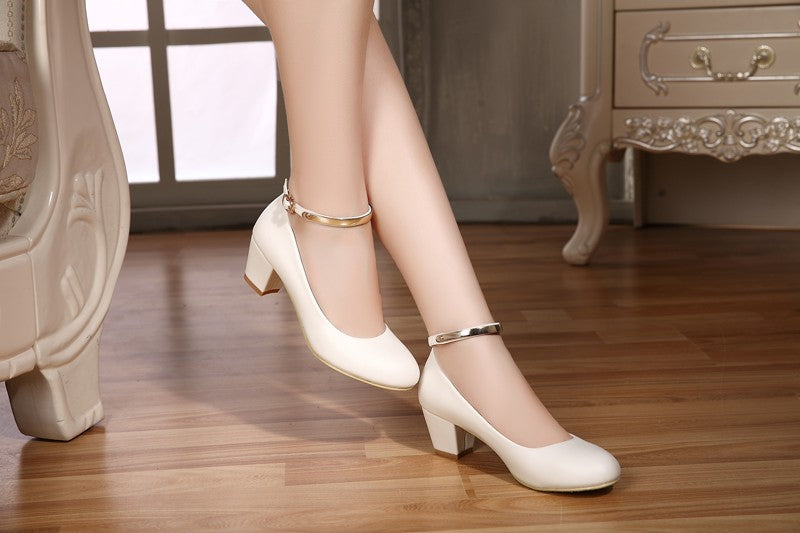 b5532998379 YALNN New Women s High Heels Pumps Sexy Bride Party Thick Heel Round Toe  leather High Heel