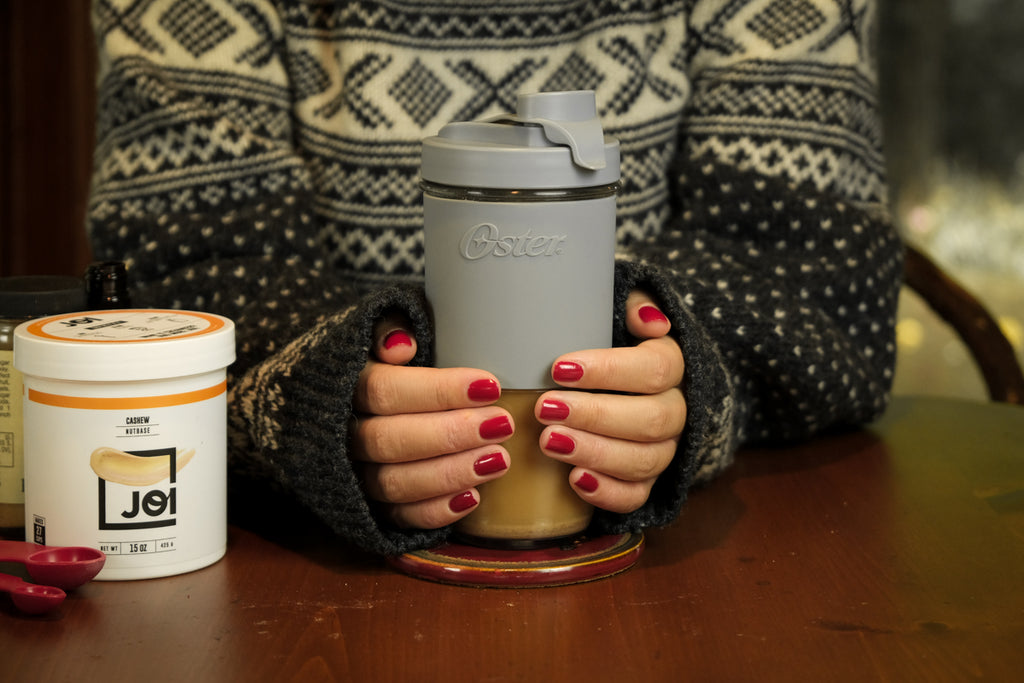 Gingerbread Iced Latte: The Better-For-You Holiday Drink from JOI and Oster Blend Active