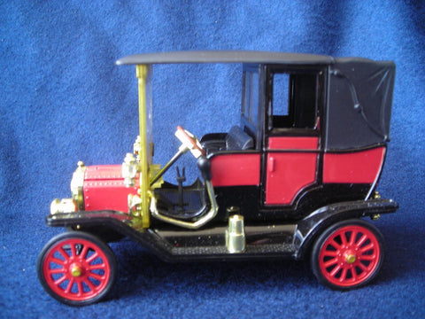 1911 Red Ford Towncar