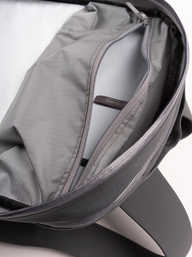 Nomin pack, ash, veilance, interior pocket