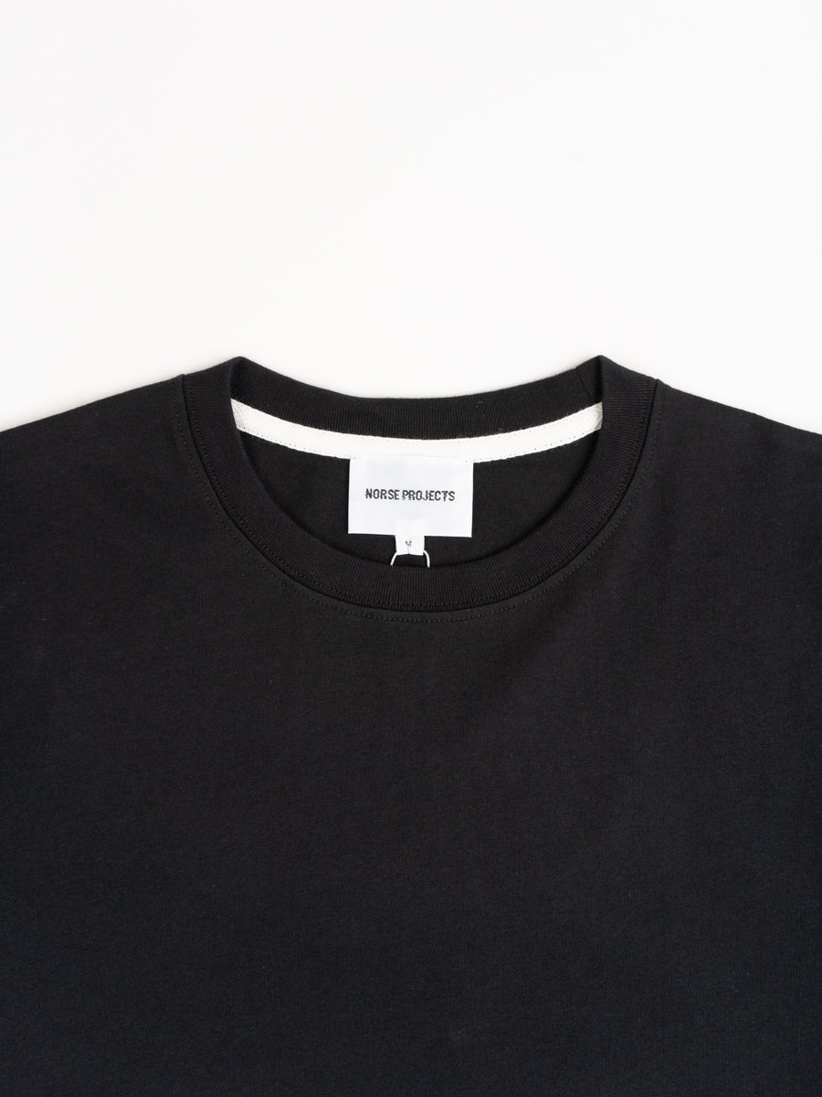 neils, t-shirt, standard, black, norse projects , collar detail
