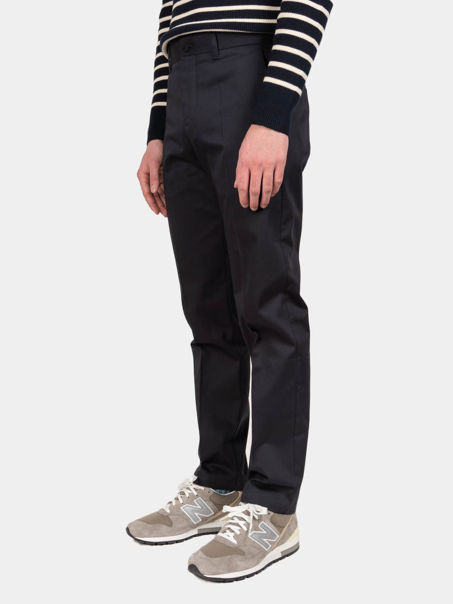 Albin Chino, Dark Navy, Norse Projects, on model side view