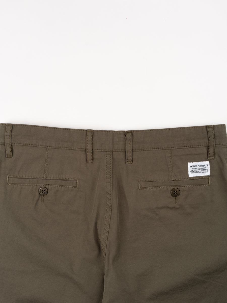 aros, light twill shorts, ivy green, norse projects, back detail