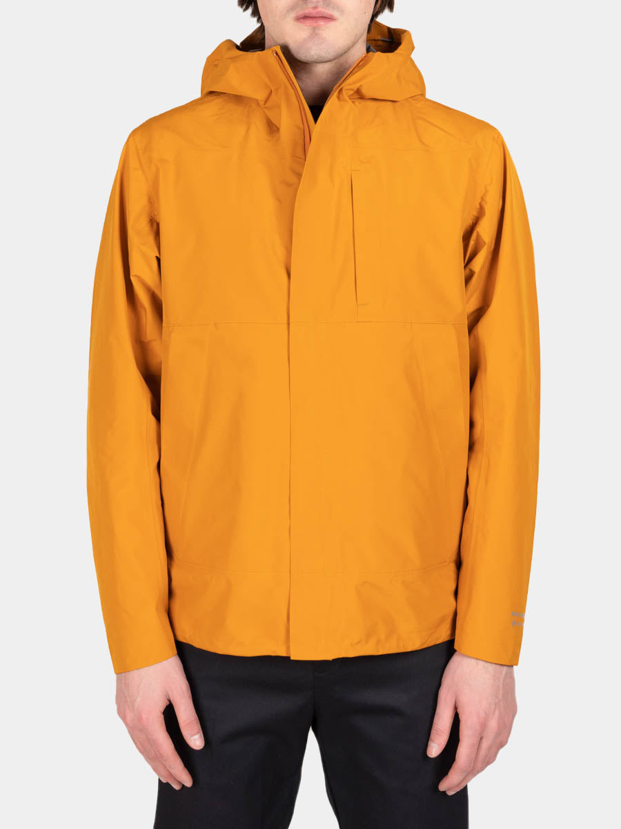 Fyn shell gore tex 2.0, cadmium orange, norse projects, front view
