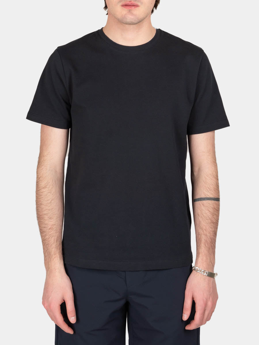 jesper coolmax pique, t-shirt, dark navy, norse projects, on model front