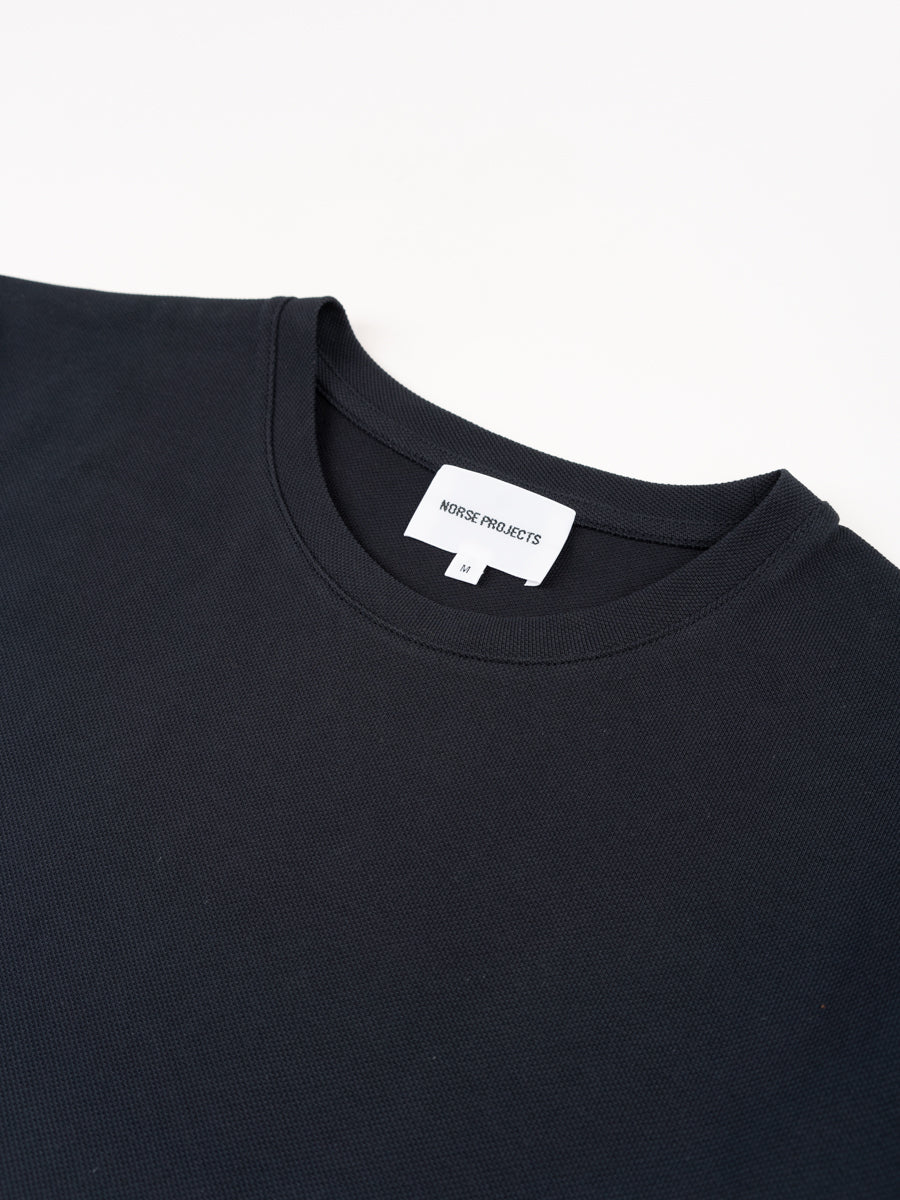 jesper coolmax pique, t-shirt, dark navy, norse projects, collar detail