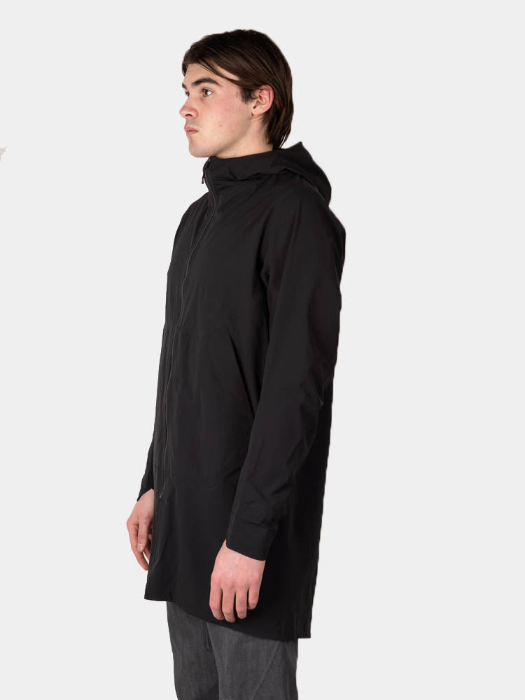 apsis coat, black, veilance, on model side view