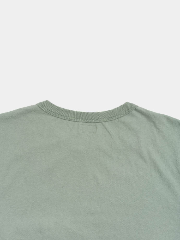 dads pocket tee, pine fade, back collar