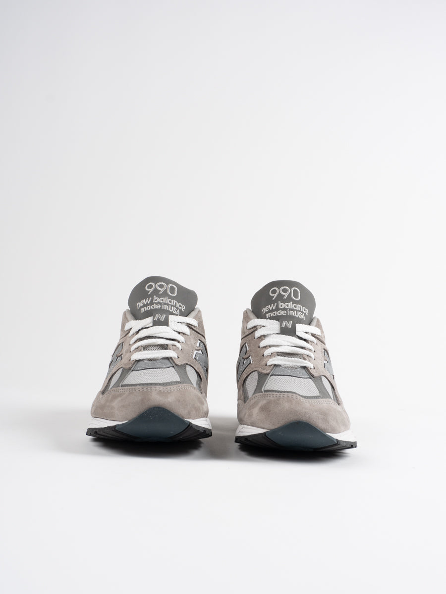 m990gr2, grey, sneaker, new balance, front view