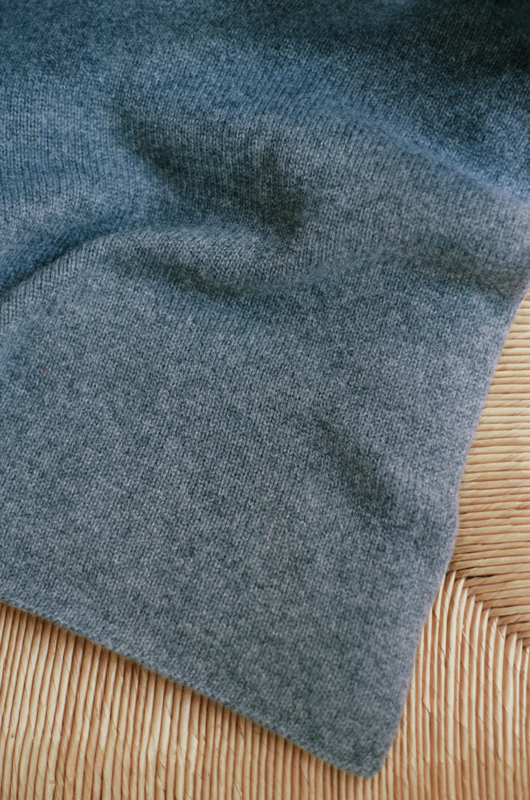 Oversized Italian Cashmere Jersey Knit Blanket - Charcoal