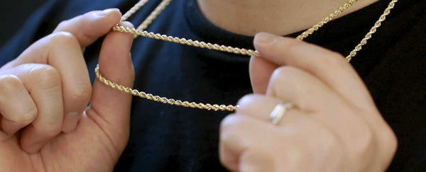 Hollow vs Solid Gold Rope Chain